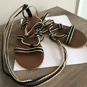 Top Shop Flat Black and Cream Wrap up Sandals